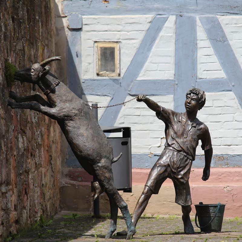 Bronzefigur - Junge mit Ziege - Rotenburg a.d. Fulda